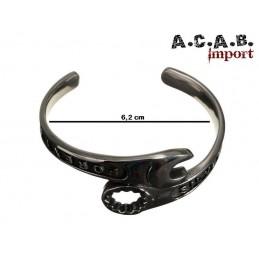 Bracelet biker cle plate et a oeil acier titane